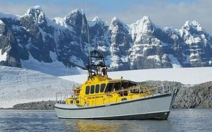 Na232_cowperboat_1462716c