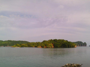 Oc145_kahatola_island1